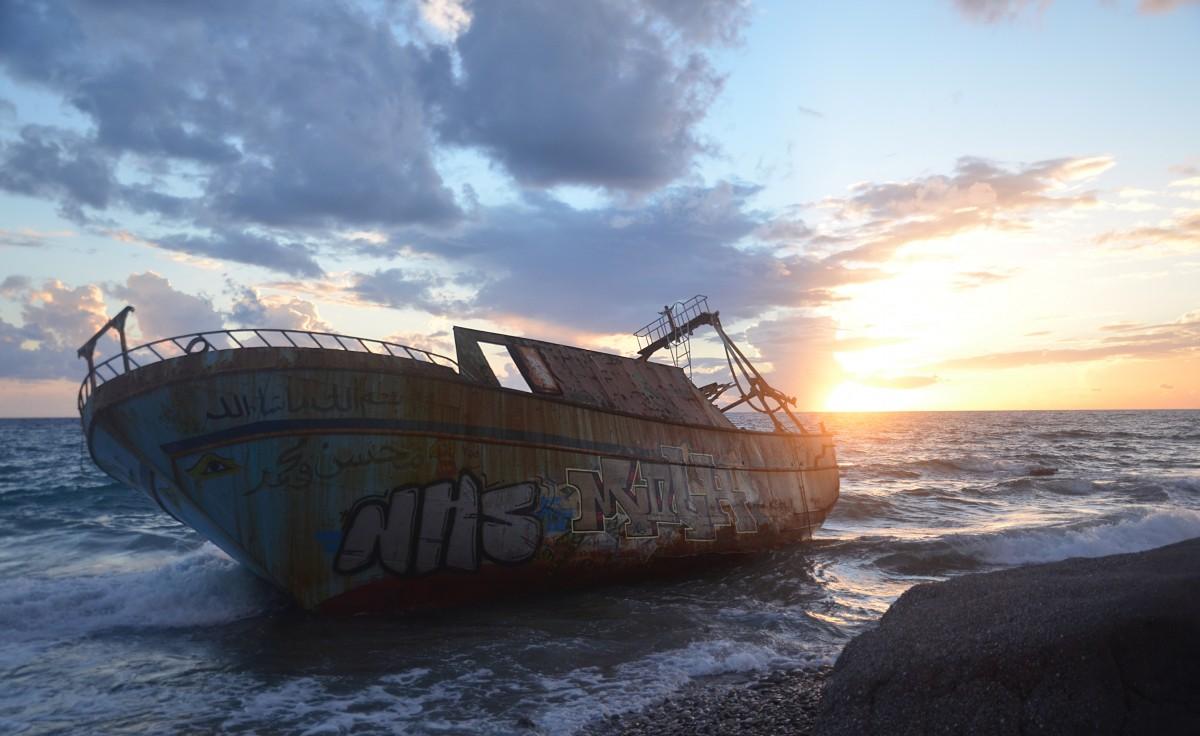 Tribune : Des bateaux de papier